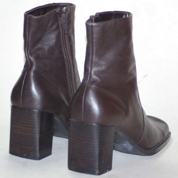 2bc8466449ee Nine West Boots Booties Square toe Block Heel 7.5.  M 5a8856ce9d20f06b601ef112